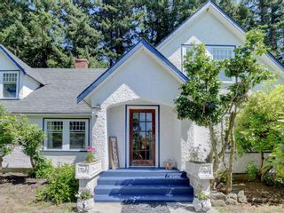 Photo 3: 5213 Pat Bay Hwy in : SE Cordova Bay House for sale (Saanich East)  : MLS®# 845525