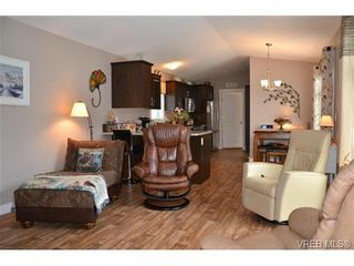 Photo 3: 46 2780 Spencer Rd in VICTORIA: La Goldstream Manufactured Home for sale (Langford)  : MLS®# 697284