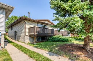 Photo 2: 5260 19 Avenue NW in Calgary: Montgomery Semi Detached for sale : MLS®# A1131869