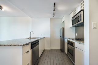 """Photo 11: 1205 788 HAMILTON Street in Vancouver: Downtown VW Condo for sale in """"TV TOWER 1"""" (Vancouver West)  : MLS®# R2614226"""