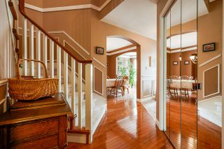 """Photo 4: 7319 146A Street in Surrey: East Newton House for sale in """"Chimney Heights"""" : MLS®# R2491156"""