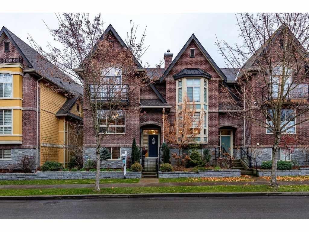 "Main Photo: 5727 MITCHELL Street in Chilliwack: Vedder S Watson-Promontory Condo for sale in ""Brownstones"" (Sardis)  : MLS®# R2522125"