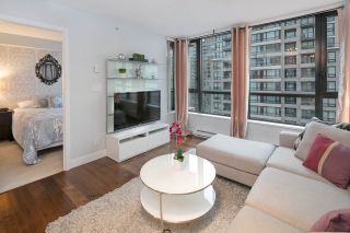 """Photo 7: 2604 977 MAINLAND Street in Vancouver: Yaletown Condo for sale in """"YALETOWN PARK III"""" (Vancouver West)  : MLS®# R2122379"""