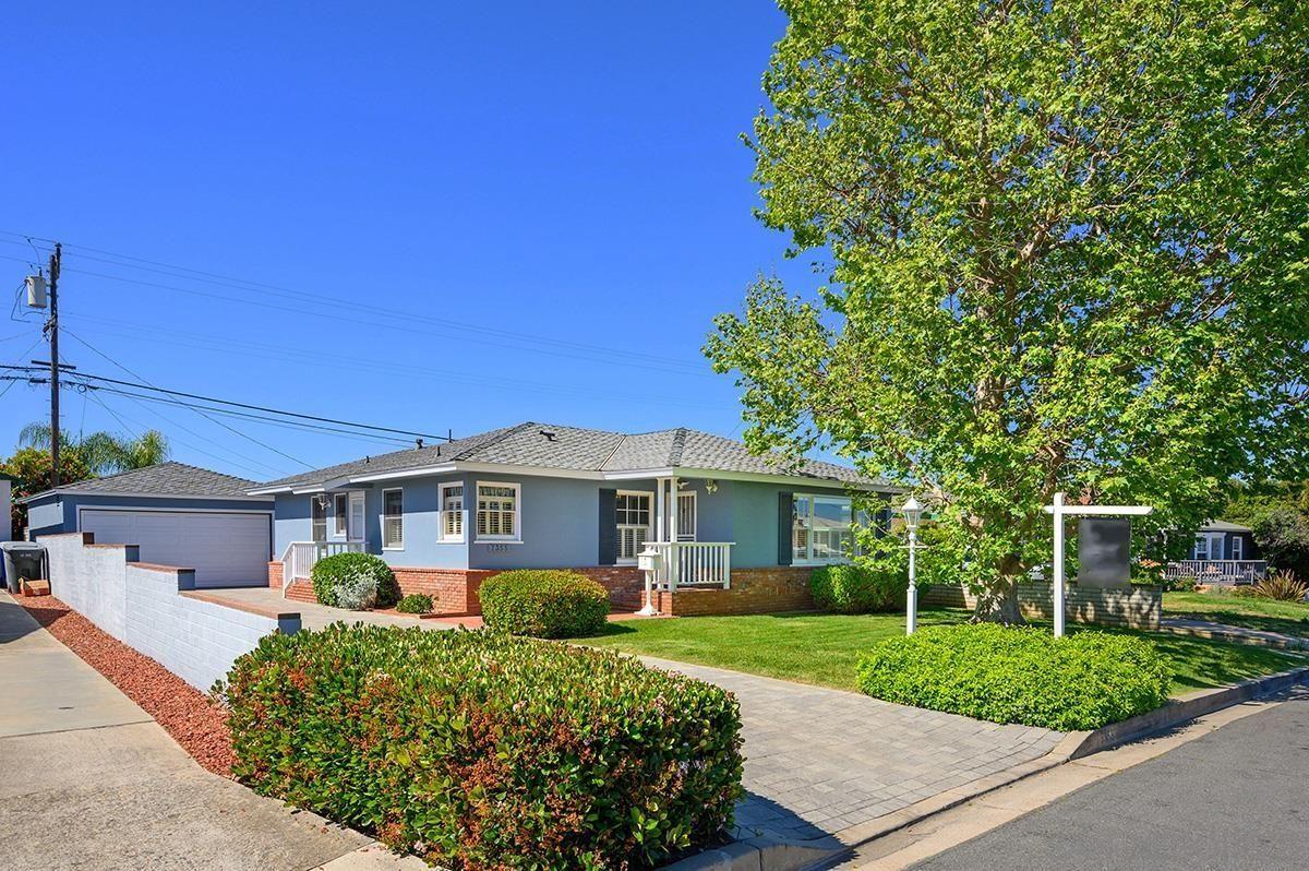 Main Photo: LA MESA House for sale : 3 bedrooms : 7355 Princeton Avenue
