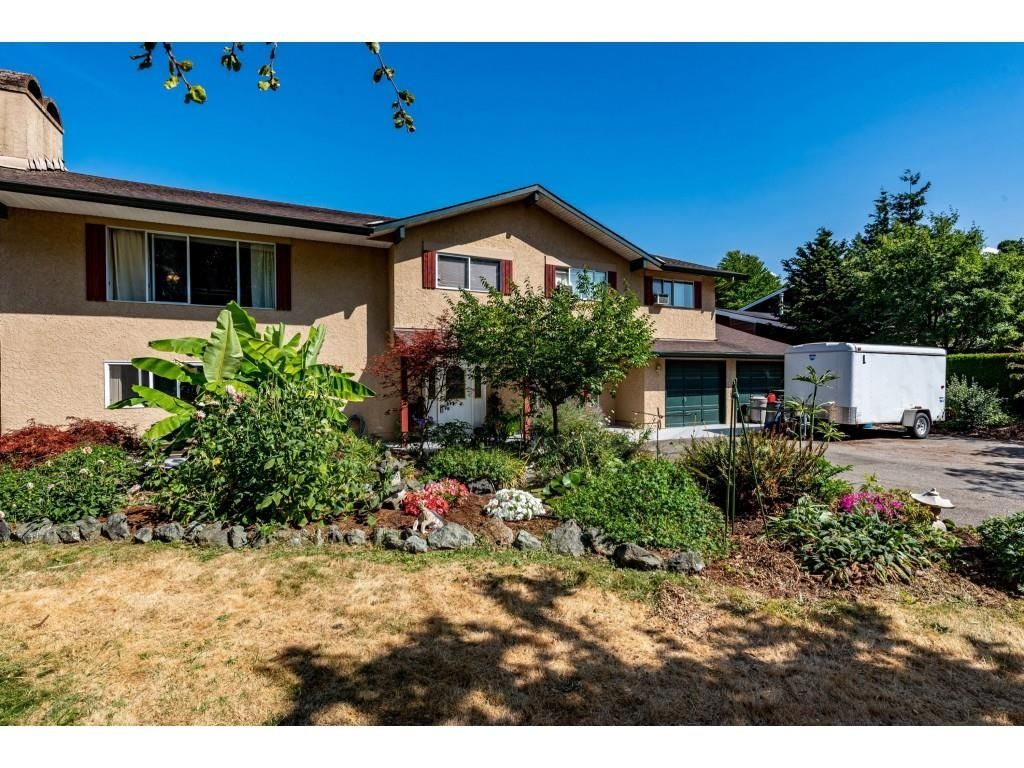 Main Photo: 46054 LAKE Drive in Chilliwack: Sardis East Vedder Rd House for sale (Sardis)  : MLS®# R2604828