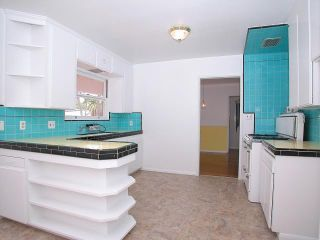 Photo 5: POINT LOMA House for sale : 2 bedrooms : 3732 Wawona Drive in San Diego