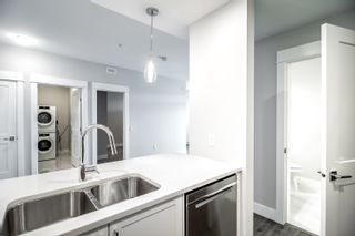"""Photo 5: 4619 2180 KELLY Avenue in Port Coquitlam: Central Pt Coquitlam Condo for sale in """"Montrose Square"""" : MLS®# R2613997"""