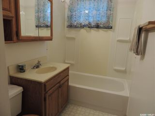 Photo 13: 802 Isabelle Street in Estevan: Hillside Residential for sale : MLS®# SK866337