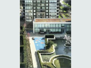 "Photo 15: 1302 9188 HEMLOCK Drive in Richmond: McLennan North Condo for sale in ""HAMPTONS PARK"" : MLS®# R2356447"