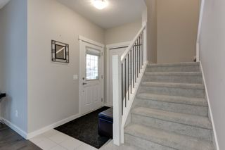 Photo 4: 5208 ADMIRAL WALTER HOSE Street in Edmonton: Zone 27 House for sale : MLS®# E4226677