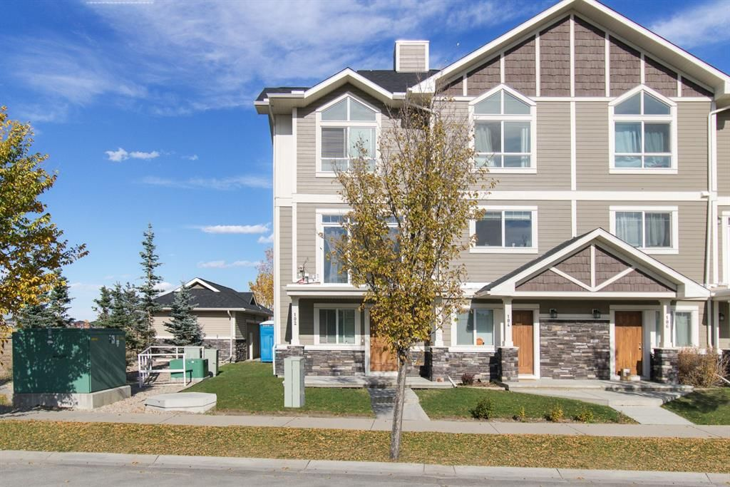 Main Photo: 102 Skyview Ranch Road NE in Calgary: Skyview Ranch Row/Townhouse for sale : MLS®# A1150705
