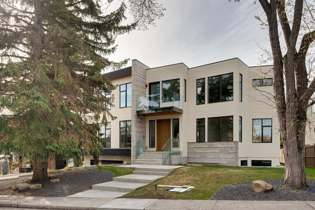 Main Photo: 711 Imperial Way SW in Calgary: Britannia Detached for sale : MLS®# A1094424