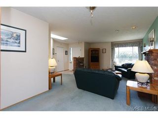 Photo 6: 1222 Alan Rd in VICTORIA: SW Layritz House for sale (Saanich West)  : MLS®# 637712