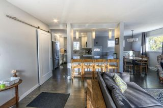 Photo 1: 42 Hays Drive SW in Calgary: Haysboro Detached for sale : MLS®# A1095067