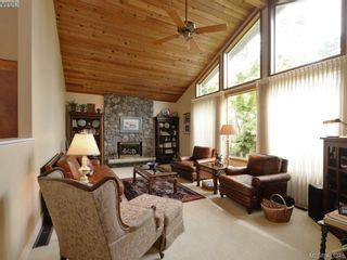 Photo 2: 2780 Arbutus Rd in VICTORIA: SE Ten Mile Point House for sale (Saanich East)  : MLS®# 815175