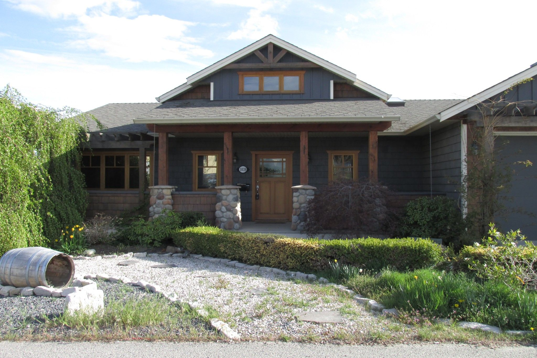 Photo 1: Photos: 1039 Hudson Rd. in West Kelowna: Lakeview Heights House for sale : MLS®# 10181783
