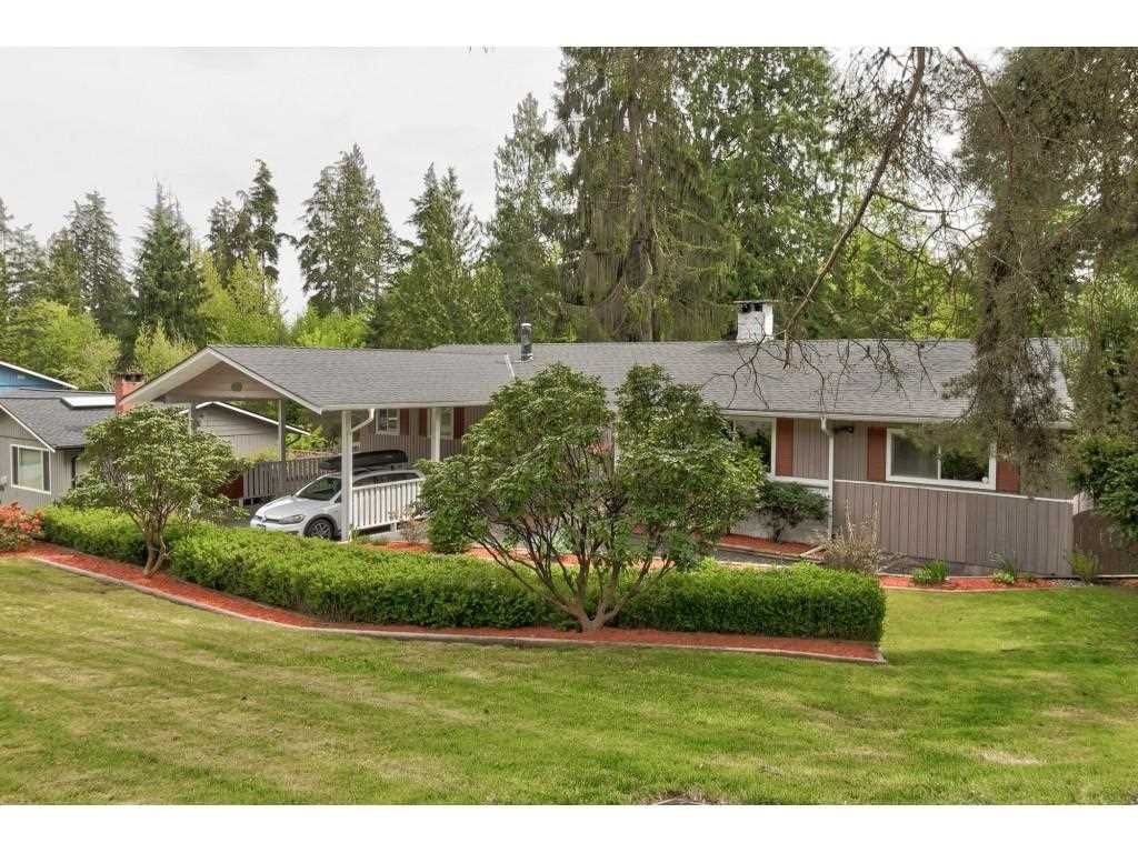 Main Photo: 124 COLLEGE PARK Way in Port Moody: College Park PM House for sale : MLS®# R2576740