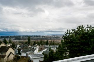 """Photo 20: 404 2733 ATLIN Place in Coquitlam: Coquitlam East Condo for sale in """"ATLIN COURT"""" : MLS®# R2232992"""