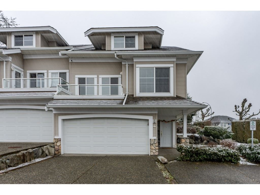 """Main Photo: 27 31501 UPPER MACLURE Road in Abbotsford: Abbotsford West Townhouse for sale in """"Maclure Walk"""" : MLS®# R2346484"""