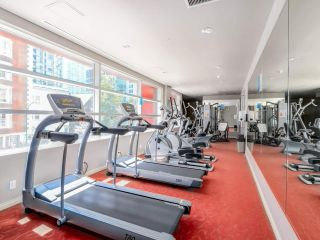 """Photo 19: 803 1211 MELVILLE Street in Vancouver: Coal Harbour Condo for sale in """"The Ritz"""" (Vancouver West)  : MLS®# R2084525"""