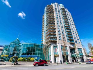 """Photo 1: 2003 612 SIXTH Street in New Westminster: Uptown NW Condo for sale in """"WOODWARD"""" : MLS®# R2472941"""