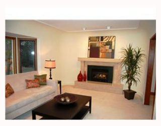 Photo 2: 328 W 23RD Avenue in Vancouver: Cambie House for sale (Vancouver West)  : MLS®# V703282