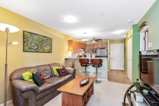 """Photo 2: 305 1150 E 29TH Street in North Vancouver: Lynn Valley Condo for sale in """"Highgate"""" : MLS®# R2497351"""