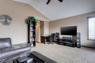 Photo 19: 123 Tremblant Way SW in Calgary: Springbank Hill Detached for sale : MLS®# A1022174