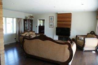 Photo 6: 4566 NEVILLE Street in Burnaby: South Slope House for sale (Burnaby South)  : MLS®# R2601264