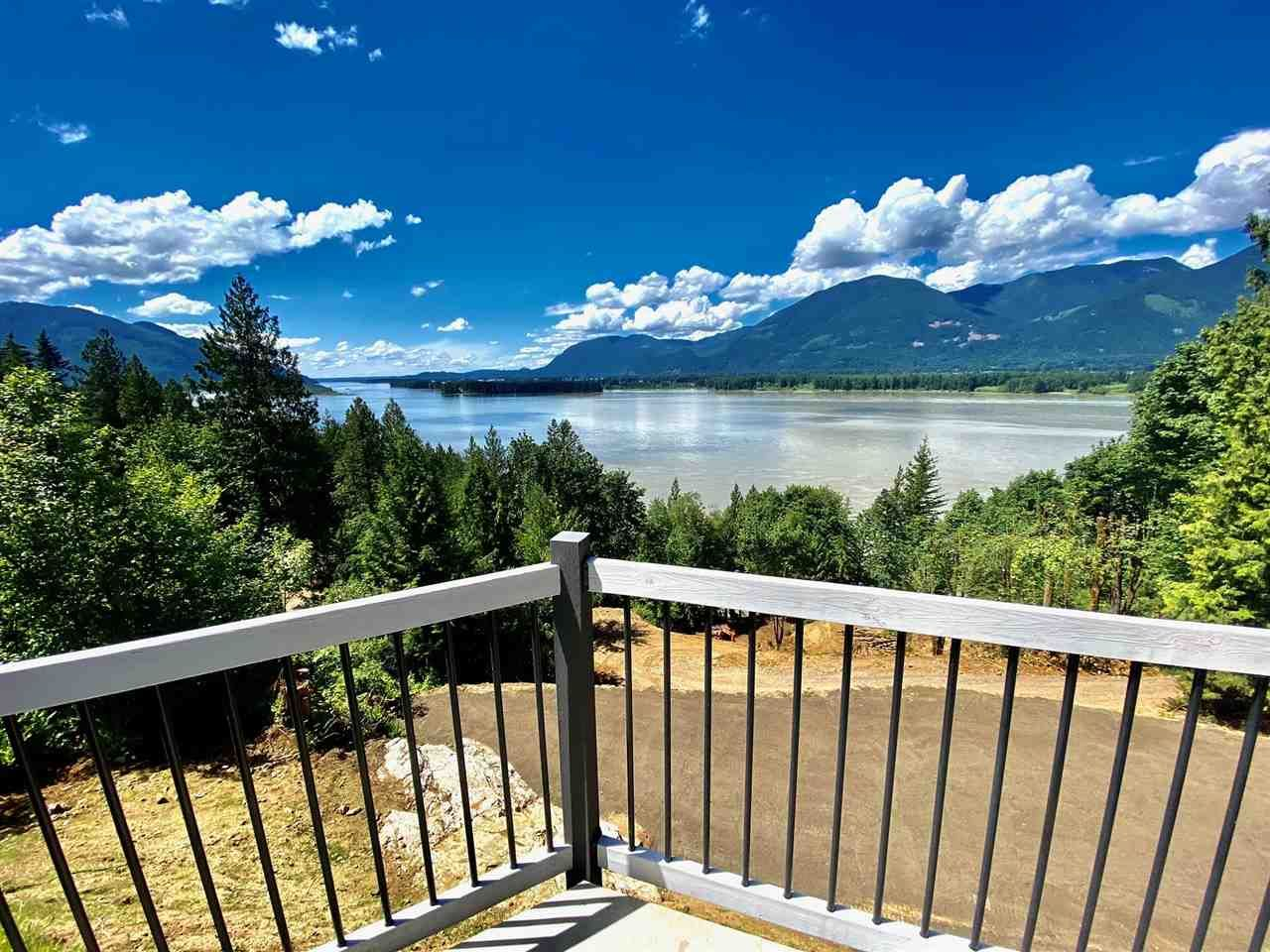 Main Photo: 43015 OLD ORCHARD Road in Chilliwack: Chilliwack Mountain House for sale : MLS®# R2592142