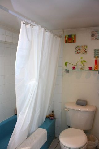 Photo 8: 3641 ADANAC Street in Vancouver: Renfrew VE House for sale (Vancouver East)  : MLS®# R2441963