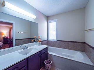Photo 19: 256 Sirocco Place SW in Calgary: Signal Hill Detached for sale : MLS®# A1143867