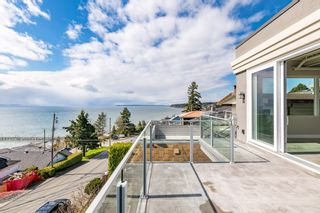 """Photo 29: 15141 COLUMBIA Avenue: White Rock House for sale in """"WHITE ROCK HILLSIDE"""" (South Surrey White Rock)  : MLS®# R2449105"""