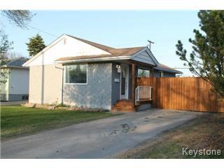Main Photo: 833 Parkhill Street in Winnipeg: Westwood / Crestview Single Family Detached for sale (West Winnipeg)  : MLS®# 1511491