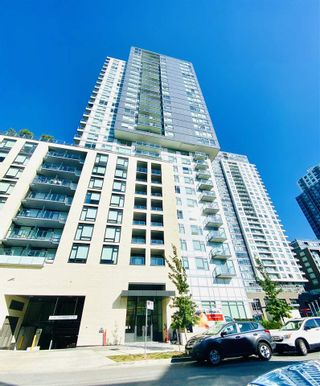 """Photo 2: 3104 5470 ORMIDALE Street in Vancouver: Collingwood VE Condo for sale in """"Wall Centre Central Park"""" (Vancouver East)  : MLS®# R2490428"""