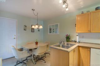 Photo 6: 18 909 Admirals Rd in VICTORIA: Es Esquimalt Row/Townhouse for sale (Esquimalt)  : MLS®# 817681