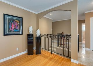 Photo 5: 425 Woodland Crescent SE in Calgary: Willow Park Detached for sale : MLS®# A1149903