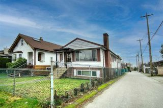 Photo 2: 220 E 58TH Avenue in Vancouver: South Vancouver House for sale (Vancouver East)  : MLS®# R2530321