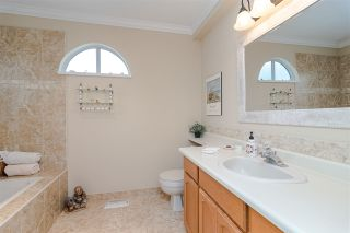 """Photo 15: 1001 21937 48 Avenue in Langley: Murrayville Townhouse for sale in """"Orangewood"""" : MLS®# R2428223"""