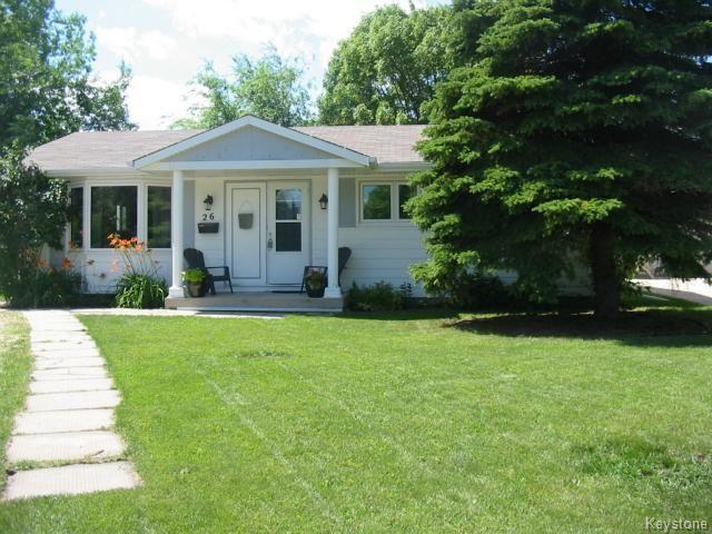 Main Photo: 26 Thunder Bay: Residential for sale : MLS®# 1315504