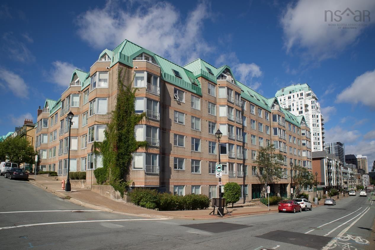 Main Photo: Unit 219 1326 Lower Water Street in Halifax: 2-Halifax South Residential for sale (Halifax-Dartmouth)  : MLS®# 202123075