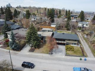 Photo 3: 2312 Sandhurst Avenue SW in Calgary: Scarboro/Sunalta West Detached for sale : MLS®# A1100127
