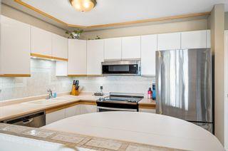 Photo 17: 201 15809 MARINE Drive: White Rock Condo for sale (South Surrey White Rock)  : MLS®# R2624089