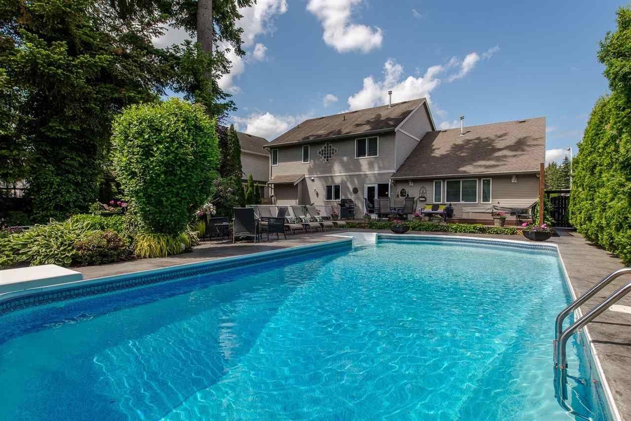 Main Photo: 44448 EENA Drive in Sardis: Vedder S Watson-Promontory House for sale : MLS®# R2344801