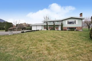 Photo 1: 42505 YALE Road in Chilliwack: Greendale Chilliwack House for sale (Sardis)  : MLS®# R2537135