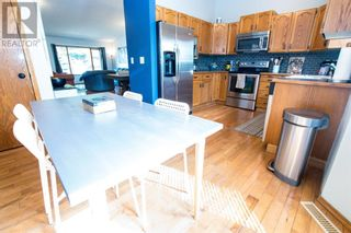 Photo 7: 107 Roberts Crescent in Red Deer: House for sale : MLS®# A1126309