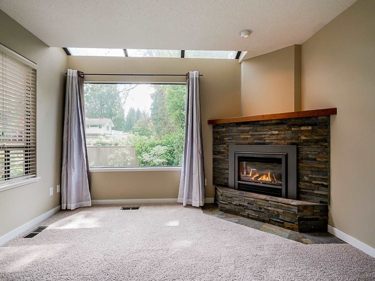 """Photo 13: Photos: 4713 GLENWOOD Avenue in North Vancouver: Canyon Heights NV Townhouse for sale in """"Montroyal Village"""" : MLS®# R2464484"""