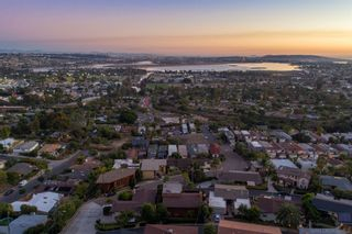 Photo 11: PACIFIC BEACH House for sale : 4 bedrooms : 2491 Wilbur Ave in San Diego
