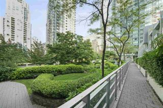 """Photo 12: 601 1288 W GEORGIA Street in Vancouver: West End VW Condo for sale in """"The Residences on Georgia"""" (Vancouver West)  : MLS®# R2495717"""
