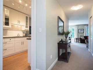 """Photo 6: 61 181 RAVINE Drive in Port Moody: Heritage Mountain Townhouse for sale in """"VIEWPOINT"""" : MLS®# R2188868"""